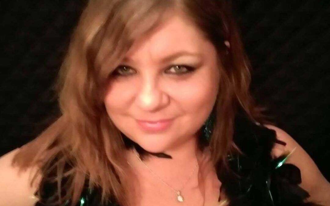 Music: Stacey Ecker 8-midnight in the Saloon